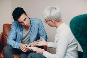 Therapist at a percocet addiction rehab